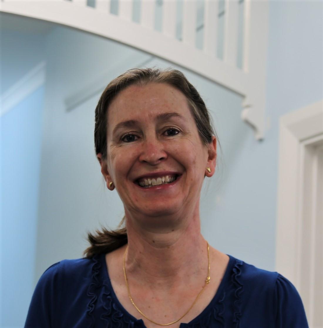 Dr Elizabeth Elms